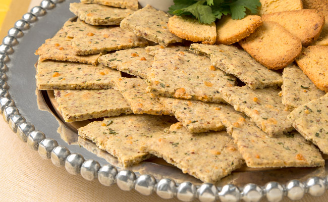 Almond flour Garlic Parmesan Crackers