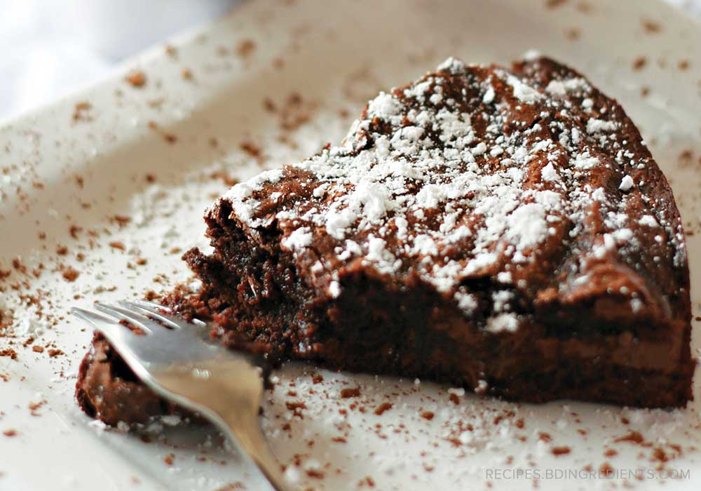 Gluten-Free Chocolate Almond Cake: Classy, Convenient Cooking
